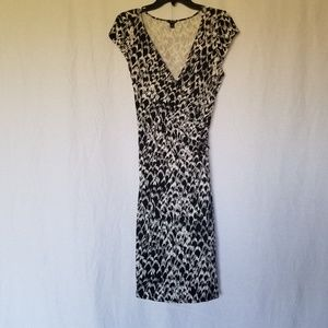 ANN TAYLOR WRAP DRESS SIZE MEDIUM